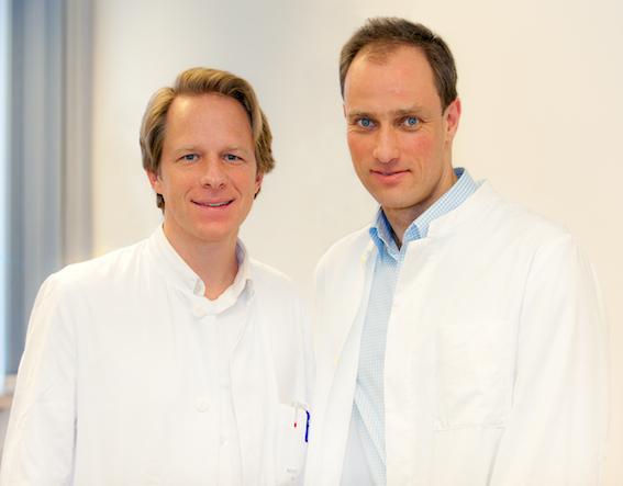 "Professor Dr. Tillmann Krüger (links) und Privatdozent Dr. Marc Axel Wollmer. Quelle ""MHH/Kaiser"""