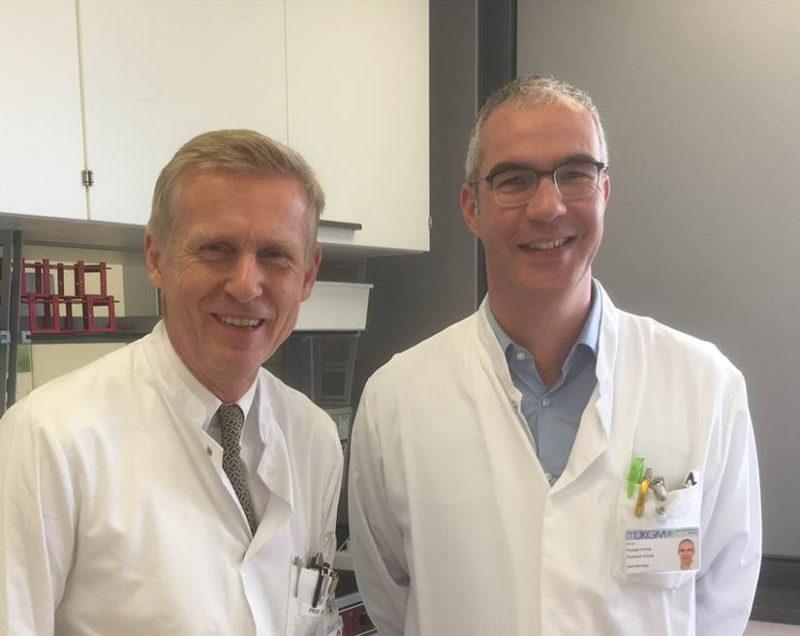 Die Marburger Mediziner Professor Dr. Michael Hertl (links) und Dr. Rüdiger Eming amtieren als Sprecher der neuen Forschergruppe zur Hautkrankheit Pemphigus.